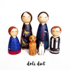 peg dolls, peg dolls uk, peg doll family, personalised gift, personalised peg dolls, custom peg dolls