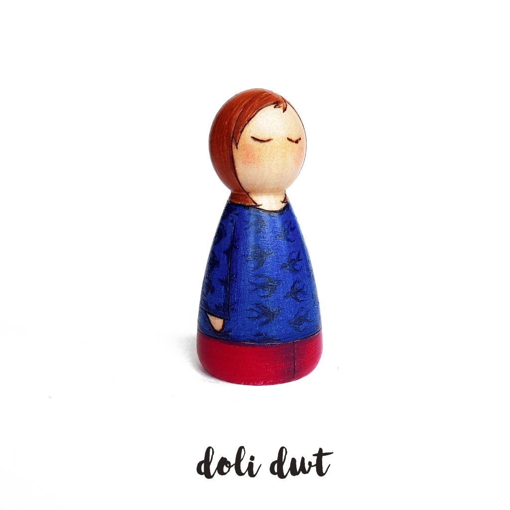 child peg doll, girl peg doll, peg dolls, peg dolls uk, peg doll family, personalised gift, personalised peg dolls, custom peg dolls