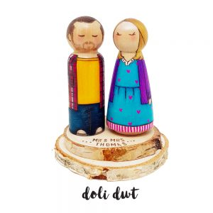 wood slices for wedding cake toppers