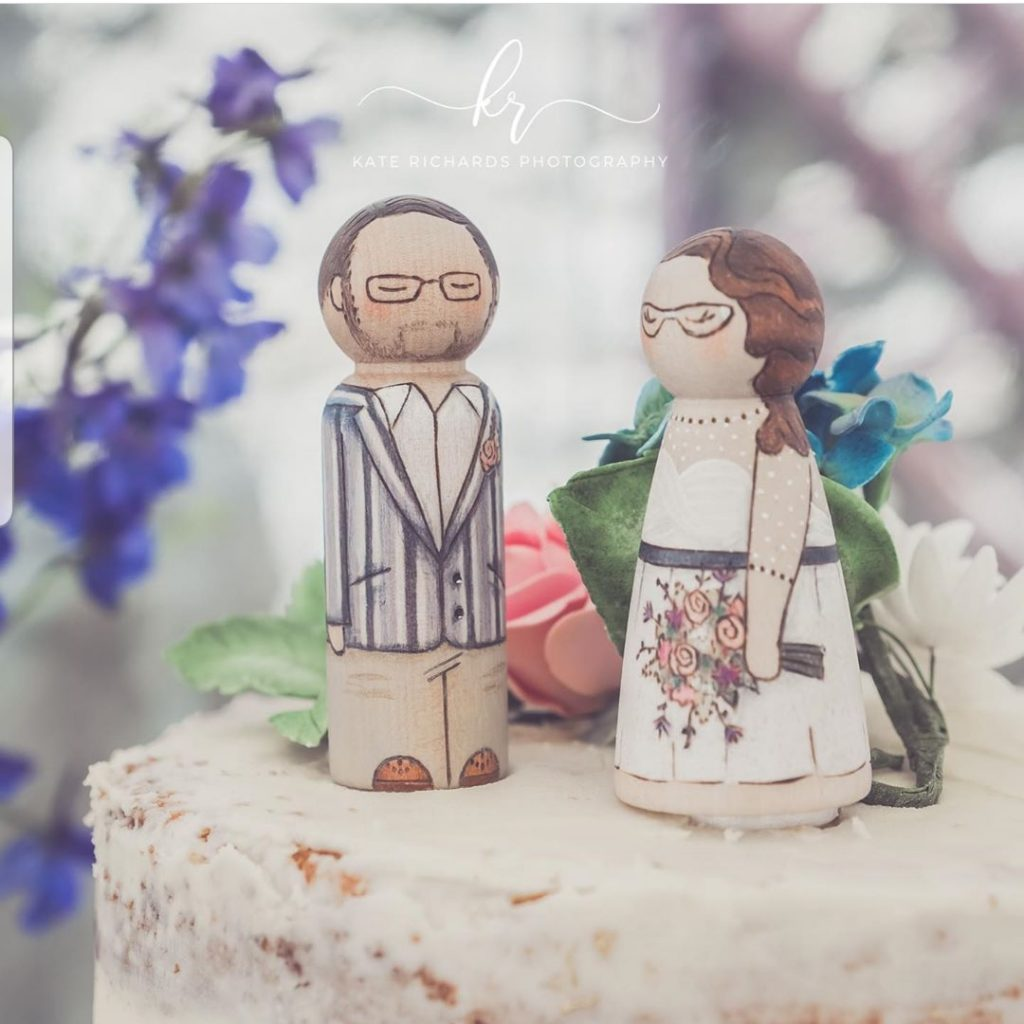 vintage wedding ideas, vintage wedding, wooden cake toppers, vintage wedding figures, mr and mrs cake topper
