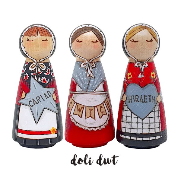 cariad, hiraeth, cwtch, welsh language gifts, welsh gifts, anrhegion cymraeg, welsh costume, welsh lady, welsh doll
